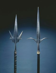 Corsèque (Chauve-Souris), c. 1530 North Italy, 16th century steel; round wood haft with leather straps, Overall: l. 183.50 cm (72 3/16 inches); Blade: w. 22.20 cm (8 11/16 inches). Gift of Mr. and Mrs. John L. Severance 1916.1802