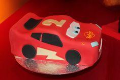 Fiesta Rayo McQueen, tarta de chocolate cubierta de fondant  McQueen Party - fondant chocolate cake