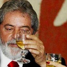Lula diz que política é igual cachaça http://br.blastingnews.com/brasil/2016/07/lula-culpa-brasileiros-pela-crise-ameaca-ser-presidente-e-diz-politica-e-igual-cachaca-001011331.html?sbdht=_pM1QUzk3wseaudM5gsMbkBEBMmdyzcnoBDqJOSPIfqHUNjwvNCL-JA2_