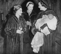 Princess Margaret and Mrs Jacques Bemberg (born Patricia Brian) with their godson Alexander Pepys Muir and his mother, Lady Rosemary Muir (née Spencer-Churchill), Woodstock church, Oxfordshire, 1955 Margaret Rose, Princess Margaret, The Crown, Woodstock, Queen Elizabeth, Historical Photos, Royalty, British Monarchy, Churchill