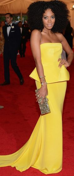The dress, the hair, the bag. Everrrrything.