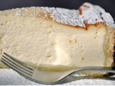 Torta de Ricota (Ricotta Cake) - this was one of my favorite things to eat at a coffee shop or tea room Italian Desserts, Just Desserts, Delicious Desserts, Yummy Food, Italian Dishes, Sweets Recipes, Wine Recipes, Cooking Recipes, Patisserie Sans Gluten