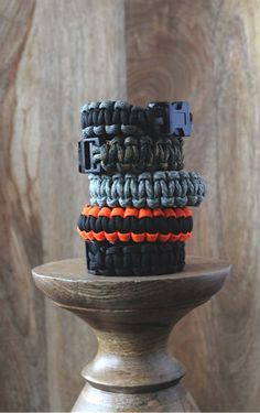 Teenage Boys Get Creative – Paracord Bracelets from Artchoo!