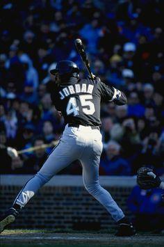 Rare PHOTO of Michael Jordan trying his talent on Baseball
