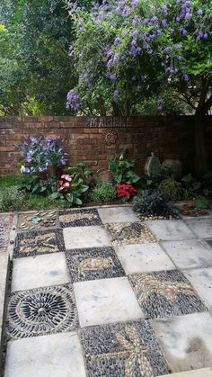 1000+ images about Rocks and Stones on Pinterest | Walkways, Mosaics and Garden art