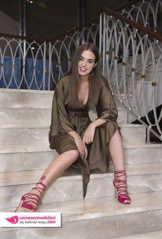 bensu soral saç rengi Pretty Babe, Bebe Rexha, Actrices Hollywood, Turkish Beauty, Grid Girls, Turkish Actors, Celebs, Celebrities, Pink Aesthetic