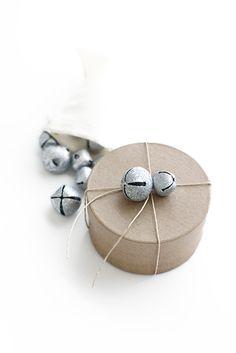 Lovely gift wrap idea ♥