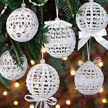 Free Crochet Pattern: Christmas Ball Ornament