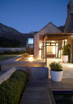 Captivating Simon McCullagh Architects Cape Barn Retreat Is A Contemporary Cape Barns  Were Designed Around Courtyards To Maximise Views And Offer Protection From  The ...