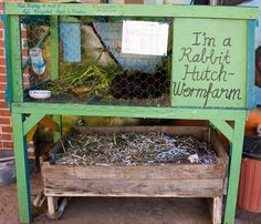 A rabbit hutch worm farm reduces waste and generates valuable organic fertilizer. Place worm bins under a rabbit hutch. The waste falls into the bins for automatic composting. How do you make a Rabbit Hutch Worm Farm? The Farm, Mini Farm, Small Farm, Meat Rabbits, Raising Rabbits, Feeding Goats, Permaculture Design, Rabbit Farm, Rabbit Pen
