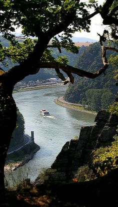 Loreley Rock, Middle Rhine Valley, Germany. Our tips for 25 things to do in Germany: http://www.europealacarte.co.uk/blog/2011/11/21/what-to-do-in-germany/