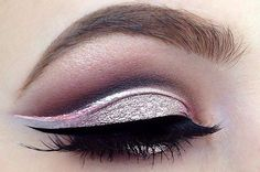 19 Ways Pink Eyeshadow Can Actually Look Totally Badass