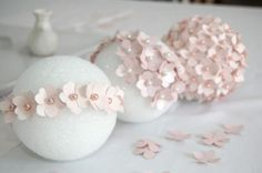 Aren't these pink DIY pomanders stunning? Want to make them for your wedding? All you need is a flower punch, pretty paper, styrofoam balls and some pearl tipped corsage pins. Check out the DIY pomander tutorial over at Pizzazerie. Diy Flowers, Paper Flowers, Spring Flowers, Hanging Flowers, Diy Hanging, Flower Colors, Flower Ideas, Beautiful Flowers, Diy Paper