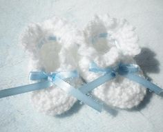 Items similar to Crocheted Baby Booties Newborn Boy Blue Ribbon on Etsy Baby Boy Booties, Crochet Baby Booties, Baby Blanket Crochet, Knit Crochet, Crochet Flower, Crochet Gifts, Irish Crochet, Crochet Ideas, Crochet Patterns