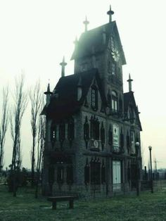 "Gothic house "" Yet Another House I Would Happily Live In *-*!!!"