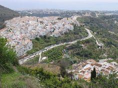 Bajo el dominio árabe emergió como un destacado enclave de Al-Ándalus: Frigiliana (Málaga)