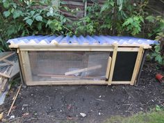 Quail house III - clear plastic (mouse-deterrent) lift up roof, triple insulated, made of bits of kitchen floor, boiler lagging, shed felt and broken wardrobe