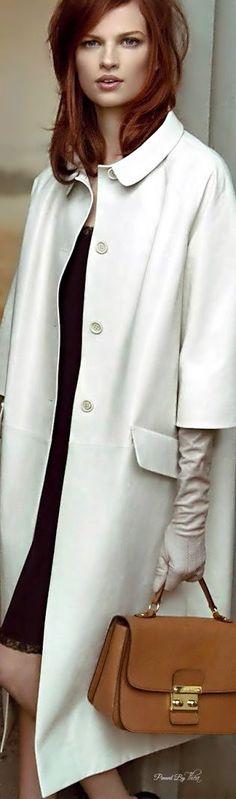 Love the 3/4 sleeves on this coat! Dieses Produkt und weitere MIU MIU Taschen jetzt auf www.designertaschen-shops.de/brands/miu-miu entdecken