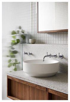 Wood Bathroom, Bathroom Interior, Modern Bathroom, Bad Inspiration, Bathroom Inspiration, Terrazzo, Modern Shower, Home Comforts, Beautiful Bathrooms