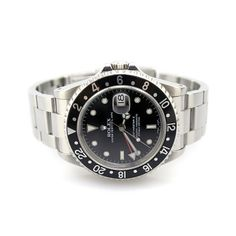 Rolex, Oyster Perpetual GMT-Master II, discontinued model 16710. A watch suitable for travelers and professionals who travel the world.