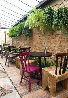 10762.. Sofá Café Cafeteria projetada por SuperLimão Studio.