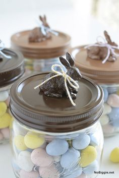 Easter festivities calls for the presence of Easter bunny mason jar designs. Explore cutest Easter bunny Mason jar ideas to gift to your loved ones. Chocolate Easter Bunny, Cute Easter Bunny, Hoppy Easter, Easter Eggs, Easter Projects, Easter Crafts, Easter Ideas, Valentine Crafts, Holiday Crafts