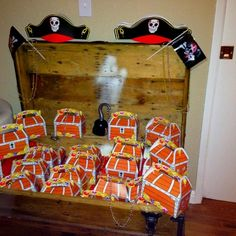 Cute little paper bag pumpkins filled with treats! Perfect goodie ...