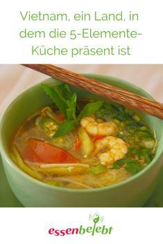 Vietnam ist immer eine Reise wert. Dieses Land bietet eine kulinarische   Vielfalt, die seinesgleichen sucht. Und die Küche ist regional von   Norden bis Süden unterschiedlich. Spannend fand ich, dass die TCM und   ihre 5-Elemente-Küche so rudimentär in der Bevölkerung vorhanden ist.   Eine Hauptzutat in fast allen Speisen ist Nuoc Mam, die Fischsauce. Thai Red Curry, Regional, Ethnic Recipes, Vietnam, Blog, Stress, Motorcycle, Complete Nutrition, Fast Recipes
