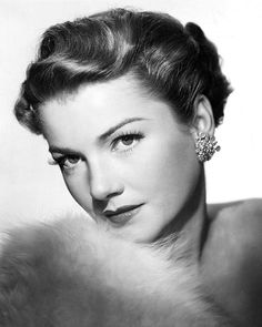 Anne Baxter - performances in films such as The Magnificent Ambersons one of my favorite movies. Anne Baxter - performances in films such as The Magnificent Ambersons one of my favorite movies. Hollywood Icons, Old Hollywood Glamour, Golden Age Of Hollywood, Vintage Hollywood, Hollywood Stars, Hollywood Actresses, Classic Hollywood, Vintage Glamour, Vintage Beauty