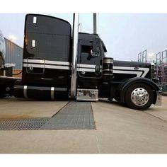 custom trucks parts Custom Peterbilt, Peterbilt 389, Peterbilt Trucks, Show Trucks, Big Rig Trucks, Dump Trucks, Custom Truck Parts, Custom Trucks, Heavy Duty Trucks