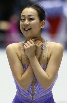 Mao Asada ,nhk trophy フィギュアスケートグランプリシリーズ第4戦NHK杯の女子ショートの演技を終えて笑顔の浅田=東京・国立代々木競技場で2013年11月8日、山本晋撮影