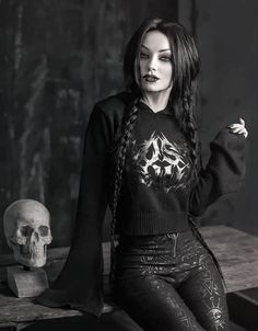 Gothic Girls, Hot Goth Girls, Goth Beauty, Dark Beauty, Dark Fashion, Gothic Fashion, Darya Goncharova, Gothic Pictures, Female Vampire