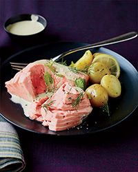 Poached Salmon with Minted Yogurt Sauce Recipe