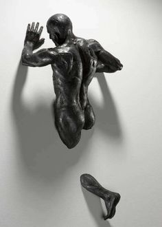 Bruno Walpoth - Not since the Renaissance has an artist produced stupendous hyperreal sculptures like these Bruno Walpoth pieces. Using huge lime and walnut wood b...