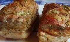 Slănina la cuptor preparată după această rețetă este o minune adevărată, nu am gustat nimic mai bun până acum. Am condimentat cu mai mult usturoi, piper, verdeață și am obținut ceva deosebit de gustos. Dacă sunteți amator de slănină, vă recomand să încercați această rețetă și vă asigur că nu veți regreta! INGREDIENTE: -1 kg de slănină; -200 gr de maioneză; -5 căței de usturoi; -20 gr de mărar; -2 linguri de sare; -1 linguriță de piper negru; -1 lingură de boia; -3 foi de dafin. MOD DE… Romanian Food, Baked Pork, Smoked Bacon, Russian Recipes, International Recipes, Diy Food, Fall Recipes, Food To Make, Main Dishes