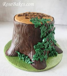 Tree Stump Cake Side Heather I think this is the one, but without the ivy and with the carving. Could I put a few butterflies, bugs, or flowers on around it? Fairy Birthday Cake, First Birthday Cakes, Fondant Tree, Tree Stump Cake, Bug Cake, Woodland Cake, Tree Cakes, Fairy Cakes, Cake Toppings