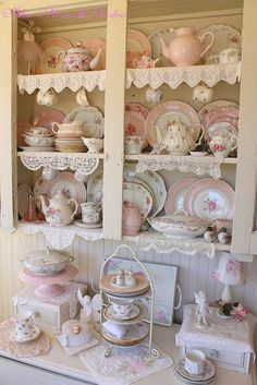 beautiful collection, tea pots, tea cup  and dishes all sizes,