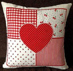 Two Beautiful Red Hearts Cushions – Kissenbezug Patchwork Heart, Patchwork Cushion, Quilted Pillow, Sewing Crafts, Sewing Projects, Heart Cushion, Pillow Crafts, Sewing Pillows, Valentine Day Crafts