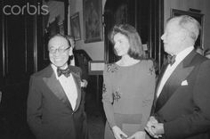 Architect I. M. Pei chats here with Jacqueline Kennedy Onassis, who was on hand to congratulate him at National Arts Club's 82nd Annual Award Dinner. Pei was presented with the organization's Gold Medal of Honor.January 28, 1981..♥❃❋✽✾❀❃ ♥     http://en.wikipedia.org/wiki/Jacqueline_Kennedy_Onassis