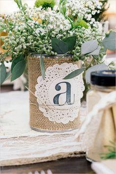 Hoy he querido elegir un tema divertido que os inspire para pequeñas decoraciones, espero que os gusten estas latas.