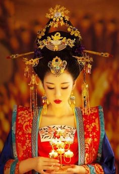 Asian Lady in Red & Blue Style Oriental, Oriental Dress, Oriental Fashion, Traditional Fashion, Traditional Dresses, Geisha Make-up, Arte Sketchbook, Chinese Clothing, Ancient China