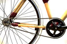 Vélo fixie en bambou