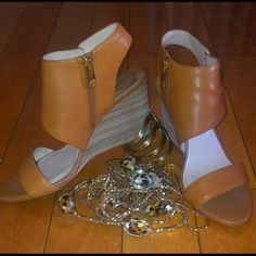 Wedge Sandle Tan Leather side zip Vince Camuto Shoes Sandals