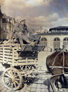 WW1. French soldier getting provisions by carriage. Picture made in Reims…