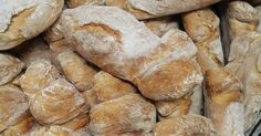 Simple homemade bread and water easy - Recipes For All Tastes Bread Bun, Pan Bread, Bread Rolls, Portuguese Sweet Bread, Portuguese Recipes, Broa Recipe, Chocolate Coquito Recipe, Top Recipes, Cooking Recipes