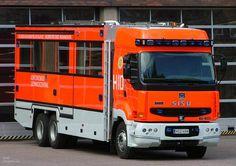 Planes, Finnish Words, France 3, Custom Big Rigs, Fire Apparatus, Communication System, Emergency Vehicles, Fire Engine, Ambulance