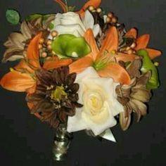 Perfect bouquet for camo wedding Keywords: #camobridalbouquet #jevel #jevelweddingplanning Follow Us: www.jevelweddingplanning.com www.pinterest.com/jevelwedding/ www.facebook.com/jevelweddingplanning/