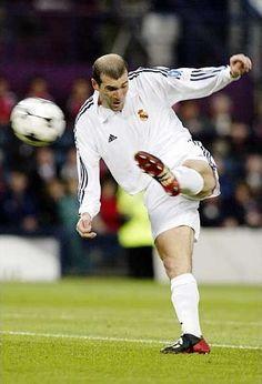 Jeden z najpiękniejszych goli jakich widziałem • Gol Zinedine Zidane w finale…