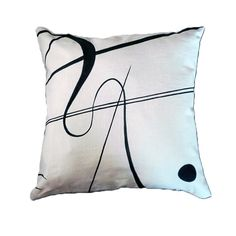 Guarda questo articolo nel mio negozio Etsy https://www.etsy.com/listing/275582450/handmade-and-hand-painted-pillow