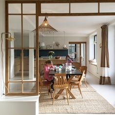 Mood of the day Savourer ces petits instants avec ces petites poulettes ! Küchen Design, Door Design, House Design, Dining Room Inspiration, Interior Design Inspiration, Cocina Office, Small Space Interior Design, Relaxing Bath, Home Fashion